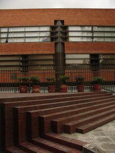 """La Escuela Nacional de Conservación, Restauración y Museografía """"Manuel del Castillo Negrete"""" ENCRyM - Coyoacan. Arquitecto: Gonzalo Gomez Palacio"""