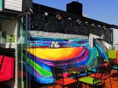 Interviu cu Lavinia-Iulia Falcan. Cum pictura murală a dat viață multor localuri din Centrul Vechi. Dacă sunteți curioși cu privire la studille sale, ș...