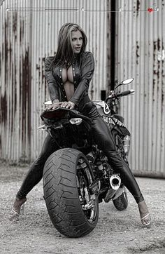 bikes-n-girls: Biker girl