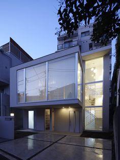 大きな窓の家
