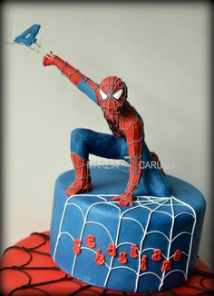 This Marvel Superheroes Cake features Spider-Man. Spiderman Cake Topper, Spiderman Birthday Cake, Spiderman Theme, Superhero Cake, Star Wars Birthday, Batman Cakes, Cake Birthday, Power Ranger Cake, City Cake