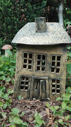 Clay Houses, Ceramic Houses, Miniature Houses, Ceramic Clay, Fairy Garden Houses, Garden Art, Decorative Household Items, Pottery Houses, Hand Built Pottery