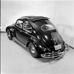 VW  oval Beetle ragtop vintage picture