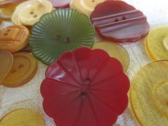 Mixed Lot of 55 Vintage Bakelite Buttons