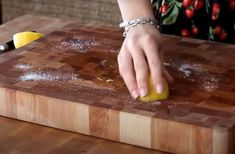 21 Cleaning Hacks for a Fresh New Kitchen — Homewhis | Home Organization Made Easy Household Cleaning Tips, Kitchen Cleaning, Cleaning Checklist, Cleaning Recipes, House Cleaning Tips, Diy Cleaning Products, Deep Cleaning, Cleaning Hacks, Expired Food