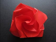 Made a bunch of these super easy origami roses for my mum!:)