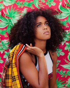 @liveandincolorproductions •||• @mendozaweiss || curly hair. Kinky curly hair. Frizzy curls. Curly frizz. Afro textured curls. Natural hair. Big hair.