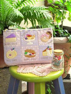 小雅拼布彩繪手作工坊 Sewing House: ◉藍莓甜心◉化妝包