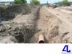 En Grupo ALSA, le hablamos acerca de las obras de drenaje. LA MEJOR CONSTRUCTORA DE VERACRUZ. Las obras de drenaje, son todas aquellas estructuras construidas para desalojar tanto el agua que corre sobre la superficie del camino, como la que lo cruza. Estas obras evitan la destrucción del camino, principalmente en épocas de lluvia. Le invitamos a comunicarse con nosotros a los números telefónicos 9225563 y 9225292, ¡será un gusto atenderle! www.grupoalsa.com #AsfaltosyGravasAL