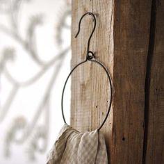 towel hook from wire hanger