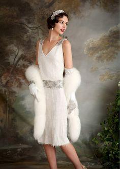 Vintage Dresses Eliza Jane Howell - beaded and embellished Art Deco inspired wedding dresses - Eliza Jane Howell - Elegant Art Deco Inspired Wedding Dresses Art Deco Wedding Dress, Vintage Inspired Wedding Dresses, Used Wedding Dresses, Art Deco Dress, Gatsby Style, Flapper Style, Flapper Wedding, 20s Style, 1920s Flapper