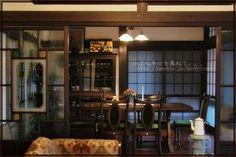 大正ロマン風の部屋が出来あがりました。 | 小さな幸せを重ねて。。。 Antique Interior, Room Interior, Home Interior Design, Interior Styling, Interior And Exterior, Kitchen Interior, Casa Retro, Japanese Style House, House Rooms
