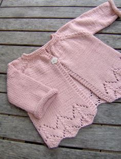 Sugar Baby Love baby cardigan -- free pattern (in French)