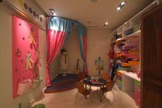 playroom stage. Google Image Result for http://1.bp.blogspot.com/_WhWPOzF6vm0/TJPG2ikZE1I/AAAAAAAAAoU/keaDah8EJ8M/s1600/stage%2Bin%2Bkids%2Broom.jpg