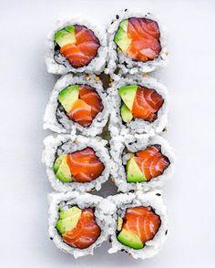 Make Sushi Photo I Love Food, Good Food, Yummy Food, Sushi Comida, Sushi Food, Sushi Pictures, Sushi Party, Sushi Recipes, Food Goals