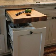 Colonial Kitchen Remodel Cabinet Doors small kitchen remodel with table.Small Kitchen Remodel With Table. Lounge Design, New Kitchen, Kitchen Decor, Kitchen Ideas, Kitchen Island, Granite Kitchen, Kitchen Layout, 1960s Kitchen, Ranch Kitchen