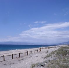 PLAYA DE SAN MIGUEL DE CABO DE GATA.  http://almeriapedia.wikanda.es/wiki/Playa_de_San_Miguel_de_Cabo_de_Gata_(Almer%C3%ADa)
