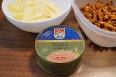 Pizza de casa cu ton si galbiori - Rețete Papa Bun Tuna In Olive Oil, Ketchup, Mozzarella