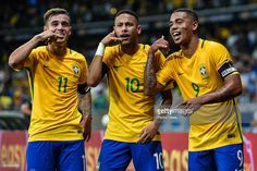Philippe Coutinho #11, Neymar #10 and Gabriel Jesus #9 of Brazil celebrates a scored goal against Argentina during a match between Brazil and Argentina as part 2018 FIFA World Cup Russia Qualifier at Mineirao stadium on November 10, 2016 in Belo Horizonte, Brazil.