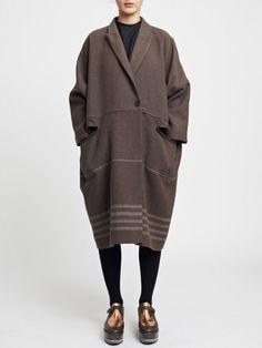 Damir Doma Cape and platforms Cozy Fashion, Minimal Fashion, Damir Doma, Winter Wear, Vintage Denim, Beautiful Outfits, Plus Size Fashion, Personal Style, Style Inspiration