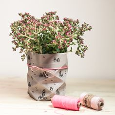 Unsere erste mit SnapPap gefaltete Vase - bestempelt mit dem kleinen Oscar & verziert mit dem wunderschönem Garn von garnundmehr :)