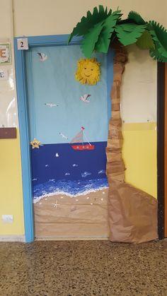 Preschool Door, Summer Preschool Activities, School Age Activities, Classroom Door, Classroom Themes, Ocean Themes, Beach Themes, Ocean Projects, School Door Decorations