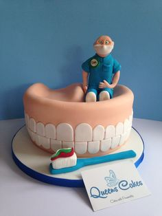 Dentur Cake... www.queenscakes.co.uk