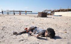 Bébé palestinien brûlé vif par des colons israéliens: Israël forcée de dénoncer le terrorisme juif, tente hypocritement de nous faire oublier le massacre de milliers de civils palestiniens, incluant femmes et enfants, commis par l'armée israélienne dans les dernières décennies. Des politiciens israéliens condamnant le racisme et le terrorisme juif menacés de mort par des juifs extrémistes. | Le Gentil