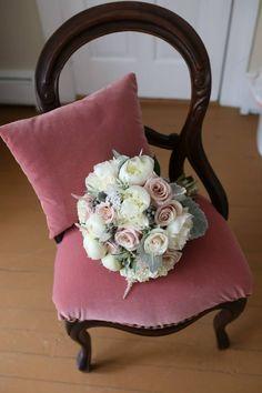 flowers: everyone deserves flowers.  everyonedeservesstylepa.com York, PA florist photo: Loving Memories Photography
