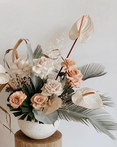M i n t y 🕊 Sorbet tones Dried Flower Arrangements, Floral Centerpieces, Dried Flowers, Flower Vases, Wedding Centerpieces, Fresh Flowers, Cactus Flower, Floral Wedding, Wedding Flowers