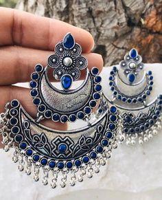 #325SilverNecklace Antique Jewellery Designs, Fancy Jewellery, Silver Jewellery Indian, Antique Jewelry, Silver Jewelry, Indian Earrings, Beaded Jewelry, Vintage Jewelry, Chunky Jewelry