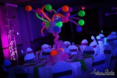 high flower centerpieces sweet sixteen - Buscar con Google