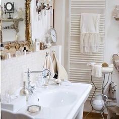 Romantic White Bathroom Decor