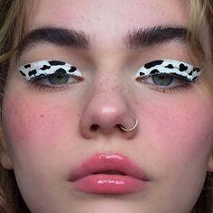makeup no eyeliner eye makeup brushes do i need many types of eye makeup makeup on red dress eye makeup remover vs neutrogena makeup glitter glue makeup hooded eyes makeup inspo Makeup Eye Looks, Eye Makeup Art, Eye Makeup Remover, Cute Makeup, Pretty Makeup, Skin Makeup, Makeup Inspo, Eyeshadow Makeup, Makeup Meme