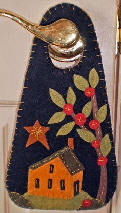 Oley Valley Primitives SALT BOX HOUSE Penny Rug Door Knob Hanger Digital Download by santaladyofoley on Etsy
