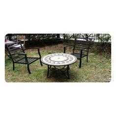 Salon de jardin table basse ronde + 4 chaises FILAE aspect fer forgé et mosaïque noir, beige pour un esprit méditerranéen.