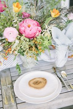 Simple, yet gorgeous table setting! #wwdesigns #wendycreates
