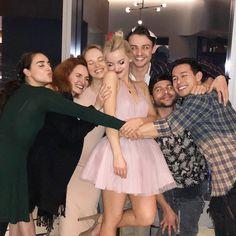 Dove Cameron Birthday, Disney Channel, Chloe Miraculous, Dove And Thomas, Hairspray Live, Dove Cameron Style, Slay Girl, Mal And Evie, Thomas Doherty