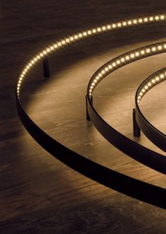 LED direct-indirect light wall lamp CURVE by Le Deun Luminaires