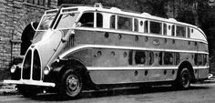 Autobuzele Pickwick au fost construite începând cu anul 1925 şi prezentate publicului ca primele autobuze de acest gen realizate vreodată şi mai ales unice din punct de vedere al dotărilor. Transportul putea fi asigurat cu acestea atât ziua cât şi noaptea, pe trasee foarte lungi şi în ...
