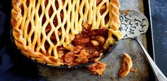 A mouthwatering Spanish pie perfect for supper. Spanish Chicken, Chicken Chorizo, Easy Weekday Meals, Shortcrust Pastry, Egg Wash, Stuffed Sweet Peppers, Cooking Classes, Pie, Dishes