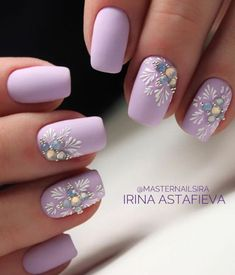 Christmas and Holiday Nail Art Design Ideas Awsome nail designs will be a highlight of your Christmas holiday. In order to inspire your nail designs, we have collected more than 70 nail art images for the Christmas season. Christmas Nail Art Designs, Holiday Nail Art, Winter Nail Designs, Christmas Design, Purple Nails, Red Nails, Hair And Nails, Lilac Nails Design, Jewel Nails