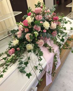 Casket Flowers, Grave Flowers, Cemetery Flowers, Funeral Flowers, Vintage Flower Arrangements, Funeral Floral Arrangements, Summer Flower Arrangements, Funeral Sprays, Cemetery Decorations