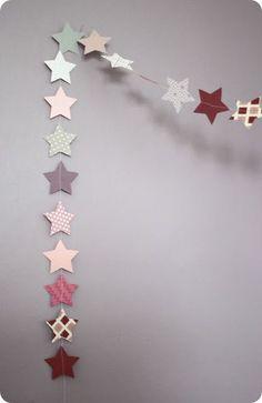 And then the snow is too soft: Garlands of stars for girls - Méla Nie - - Et puis la neige elle est trop molle: Guirlandes d'étoiles pour filles And then the snow is too soft: Garlands of stars for girls Christmas Crafts, Christmas Decorations, Xmas, Diy For Kids, Crafts For Kids, Diy Paper, Paper Crafts, Creation Deco, Paper Flowers