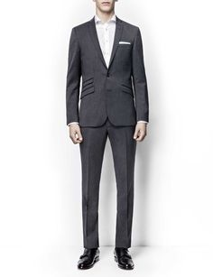 Norden blazer-Men's contemporary, semi-slim suit in wool. AMF-stitching featured at front. Two-button front closure. Double back vents. Comes with Thom trousers featuring a medium-rise and a straight leg.