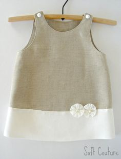 Linen dress for little beauty - Soft Couture Máslove the white linen comboBaby Linen Clothes - You might even know of shops and boutiques that carry lines of these, see photos of these on celeb w Frocks For Girls, Kids Frocks, Little Dresses, Little Girl Dresses, Girls Dresses, Little Girl Fashion, Kids Fashion, Gothic Fashion, Baby Dress Design