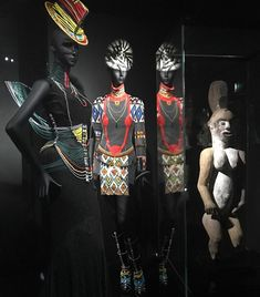 Eternal Cycle of influence: African Art inspired both John Galliano at Dior @lesartsdecoratifs and Picasso @quaibranly throughout his long career. Both Dior and Picasso are on the blog ➡️ bio 👹