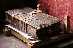 tibetan book by rongpuk Buddhist Texts, Buddhist Monk, Buddhist Art, Book Art, Book Libros, Tibetan Buddhism, Buddha, Religious Books, Book Journal