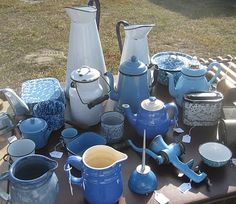 I love blue stuff, and antiques are great too Flea Market Style, Flea Market Finds, Flea Markets, My Sweet Sister, Enamel Cookware, Finding Treasure, Vintage Enamelware, Antique Stores, Fleas