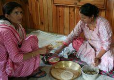 Uma and Poonam making Sidu
